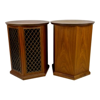 Mid- Century Walnut Realistic Optimus 6 Speakers / End Tables - a Pair For Sale