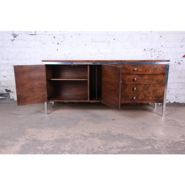 Tomlinson Mid-Century Modern Burl Wood and Chrome Sideboard Credenza, 1970s For Sale In South Bend - Image 6 of 13