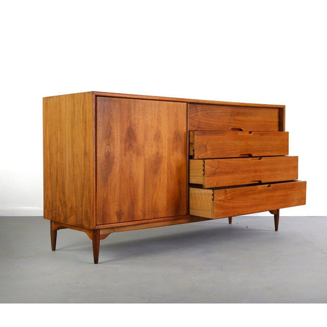 Contemporary 1950s Mid-Century Modern John Keal for Brown Saltman Low Dresser or Credenza For Sale - Image 3 of 7