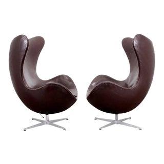 Pair of Dark Brown Egg Chairs by Arne Jacobsen
