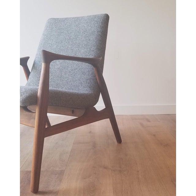 Wood 1950s Arne Hovmand-Olsen Lounge Chair (Model 240) for Mogens Kold Møbelfabrik - Newly Upholstered For Sale - Image 7 of 13