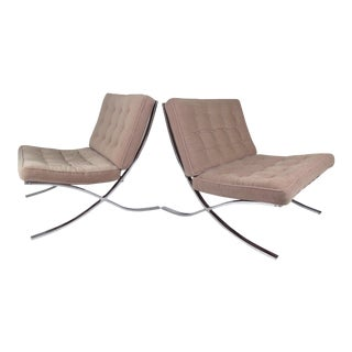 Pair of Vintage Modern Chairs in the Style of Ludwig Mies Van Der Rohe For Sale