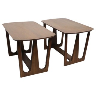 Pair of Mid Century End Tables For Sale