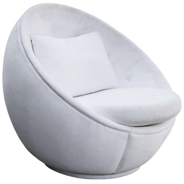 "Stunning ""Egg"" Swivel Chair by Milo Baughman for Thayer Coggin For Sale - Image 11 of 11"