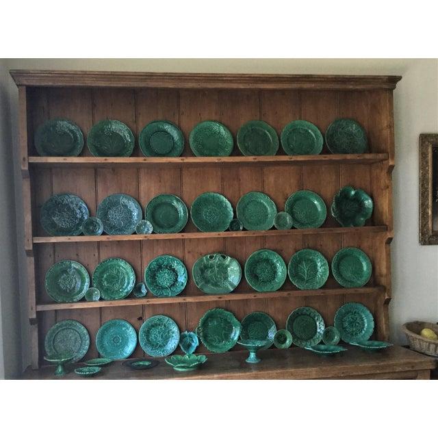 Ceramic 1880 English Green Majolica Geranium Plate For Sale - Image 7 of 8