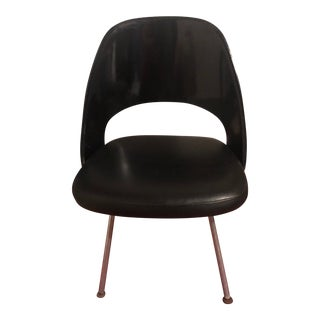 Knoll Eero Saarinen Leather and Plastic Executive Chair For Sale