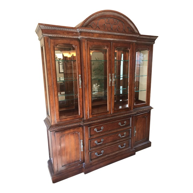 Hickory White Legends China Cabinet - Image 1 of 10