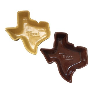 Vintage Frankoma Signed Stamped Texas State Shaped Ashtrays - a Pair For Sale