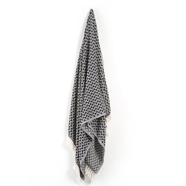 Charcoal Silent Ripple Handmade Organic Cotton Towel in Charcoal For Sale - Image 8 of 8
