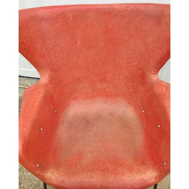 Mid-Century Modern Lawrence Peabody for Selig Mid-Century Fiberglass Wing Chair For Sale - Image 3 of 7