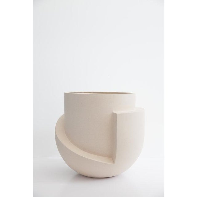 Not Yet Made - Made To Order Farrah Sit Vayu Planter For Sale - Image 5 of 5
