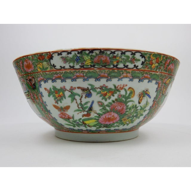 Green Antique Chinese Export Rose Medallion Serving Bowl For Sale - Image 8 of 11