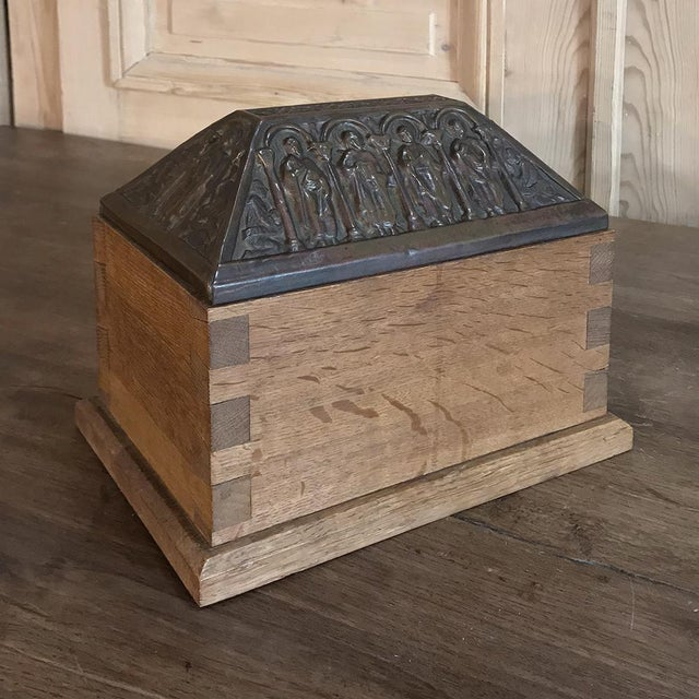 Gothic 19th Century Dovetailed Wood Box With Pyrimidal Cast Bronze Lid For Sale - Image 3 of 11