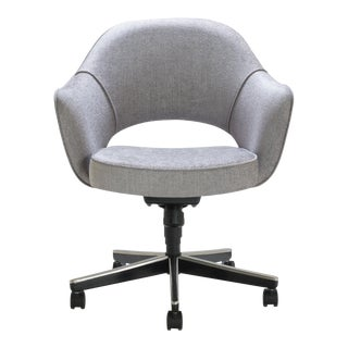 Saarinen Executive Arm Chair in Sterling Weave, Swivel Base For Sale