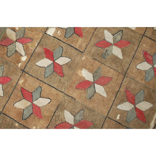 American 1880s Hand Made Antique American Hooked Rug - 3′1″ × 5′3″ For Sale - Image 3 of 7