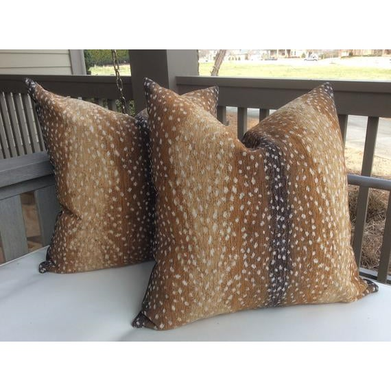 """Lee Industries """"Antelope"""" by Lee Industries Chenille Pillows - a Pair For Sale - Image 4 of 4"""