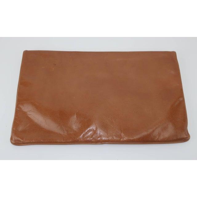 Brown 1970's Bottega Veneta Large Envelope Leather Clutch Handbag For Sale - Image 8 of 12