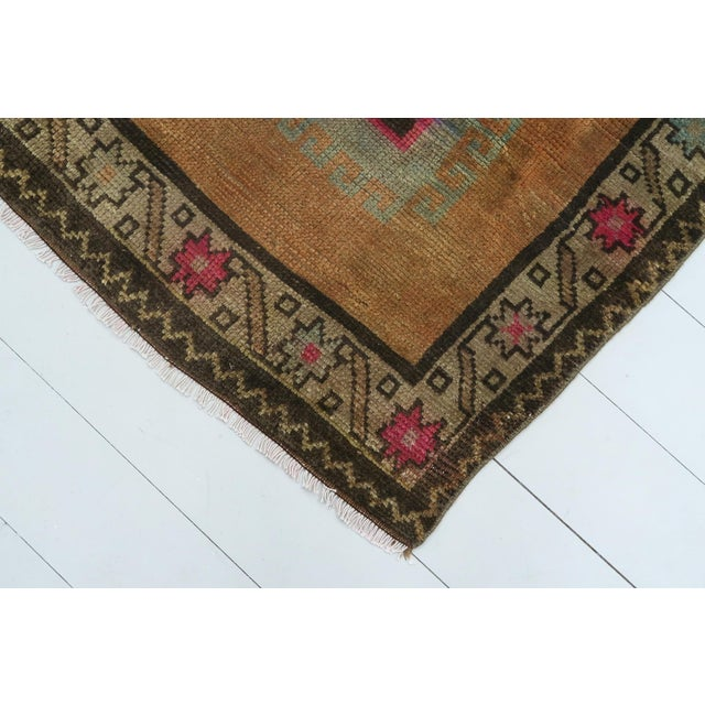 "Vintage Turkish Kilim Rug-4'3'x5'10"" For Sale - Image 11 of 13"