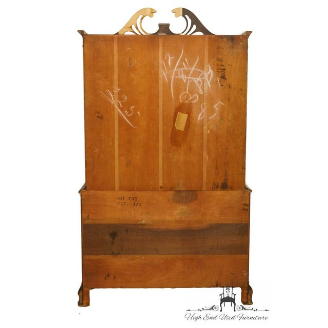 Brown 20th Century Traditional Bernhardt Furniture Duncan Phyfe Mahogany China Cabinet For Sale - Image 8 of 11