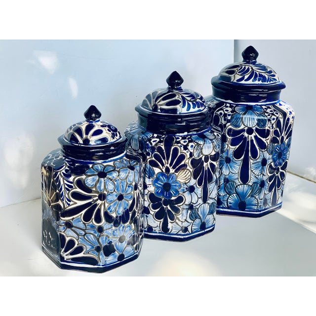 Vintage Mexican Hand Painted 'Amora' Talavera Pottery Canister Set With Lids - Set of 3 For Sale - Image 11 of 13