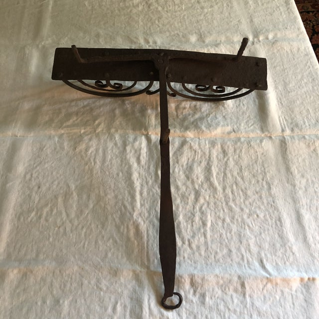 18th Century American Colonial Hand Forged Wrought Iron Rotary Bread Toaster For Sale - Image 12 of 13