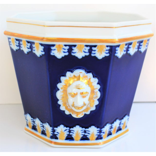 Metal Vintage Mottahedeh Cobalt & White Neoclassical Cachpot For Sale - Image 7 of 12