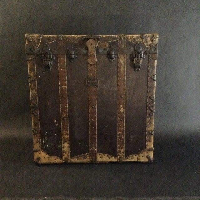 19th Century Trunk by h.c. Faber and Son Co. For Sale In Los Angeles - Image 6 of 10