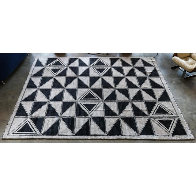 Moroccan Geometric Triangles Wool Rug - 9′ × 12′ For Sale - Image 11 of 11