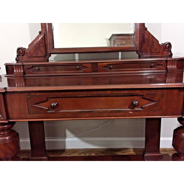 This English dressing table dates from the third quarter of the 19th Century. It is mahogany with a splendid color and...