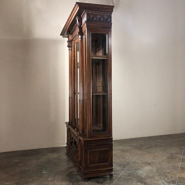 Grand 19th Century Italian Walnut Neoclassical Bookcase For Sale - Image 10 of 13