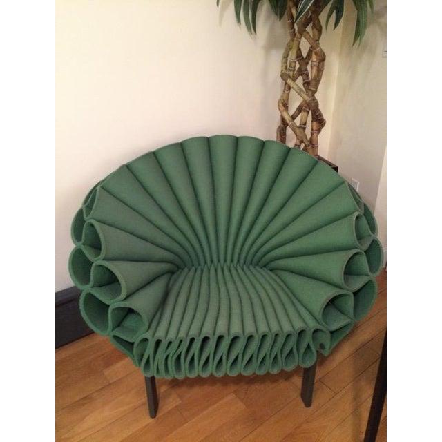 peacock chair by dror bershetrit (2009) Design Dror Bershetrit, 2009 Wool & rayon felt, metal base, black plastic feet...