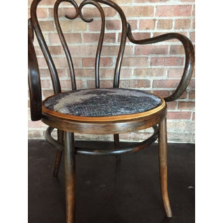 Early 20th Century Vintage Thonet-Styled Heart-Shaped Bentwood Armchairs - a Pair Preview
