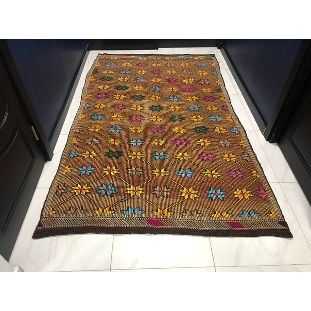 1960s Vintage Turkish Handwoven Traditional Decorative Kilim Rug- 5′3″ × 8′6″ For Sale - Image 11 of 11