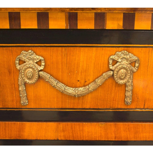 Neoclassical Finely Inlaid Late 18th Century Satinwood Commode For Sale - Image 3 of 6