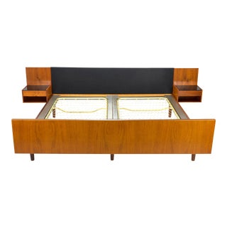 1950s Vintage Hans Wegner for Getama Danish Modern King Size Platform Bed For Sale