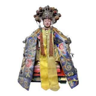 Late 19th Century Chinese Immortal Deity With Embroidery Pallium Figure Statue For Sale