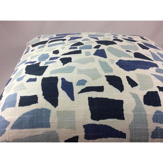 """Contemporary Duralee Hc Monogram/LuLu Dk Designs """"Abstractions"""" in Marine Pillows - a Pair For Sale - Image 3 of 4"""