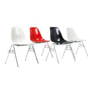 1970s Vintage Herman Miller Eames Dss Fiberglass Shell Chairs- Set of 4 For Sale
