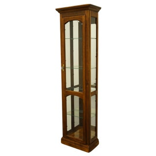 "20th Century Italian Neoclassical Pulaski Furniture 22"" Petite Lighted Display Curio Cabinet For Sale"
