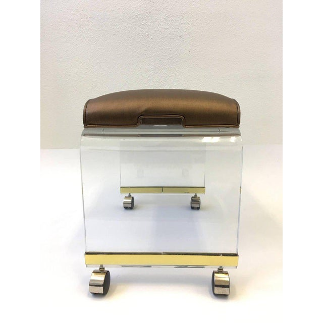 Acrylic Waterfall Vanity Stool on Casters by Hill Manufacturing Corp For Sale In Palm Springs - Image 6 of 8