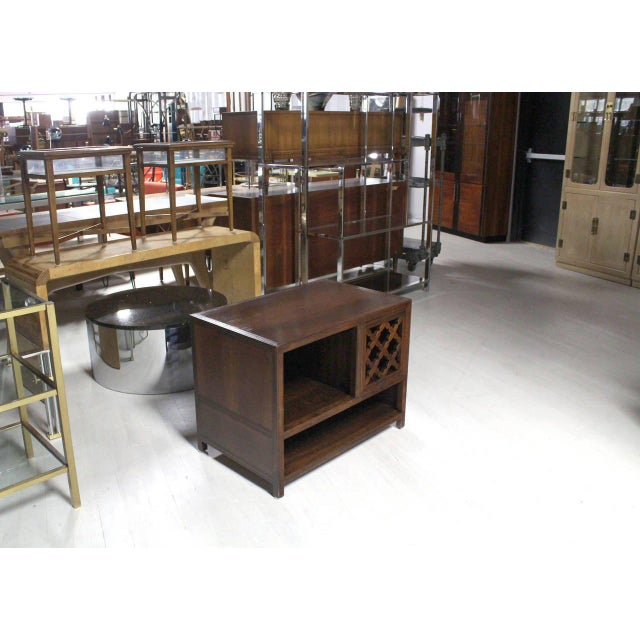 Mid century modern decorative walnut baker end table or stand.