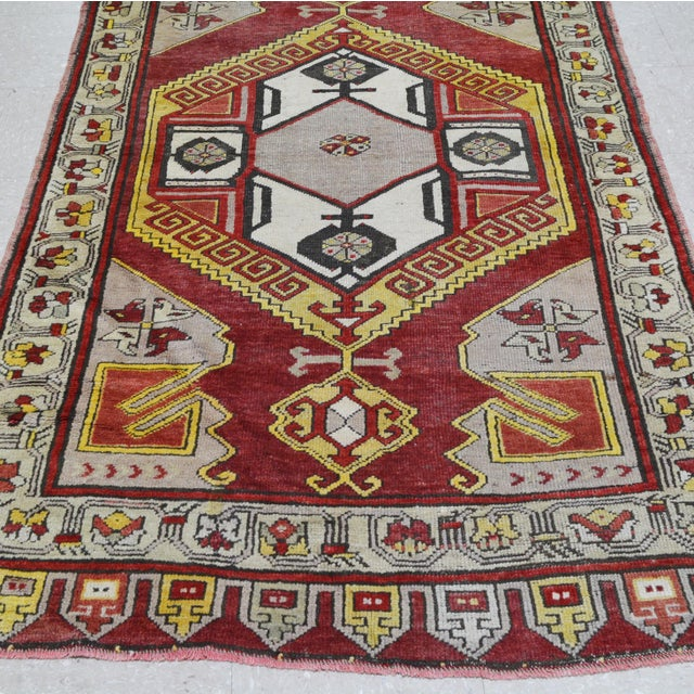 "Vintage Turkish Rug,4'x10'9"" For Sale - Image 4 of 6"