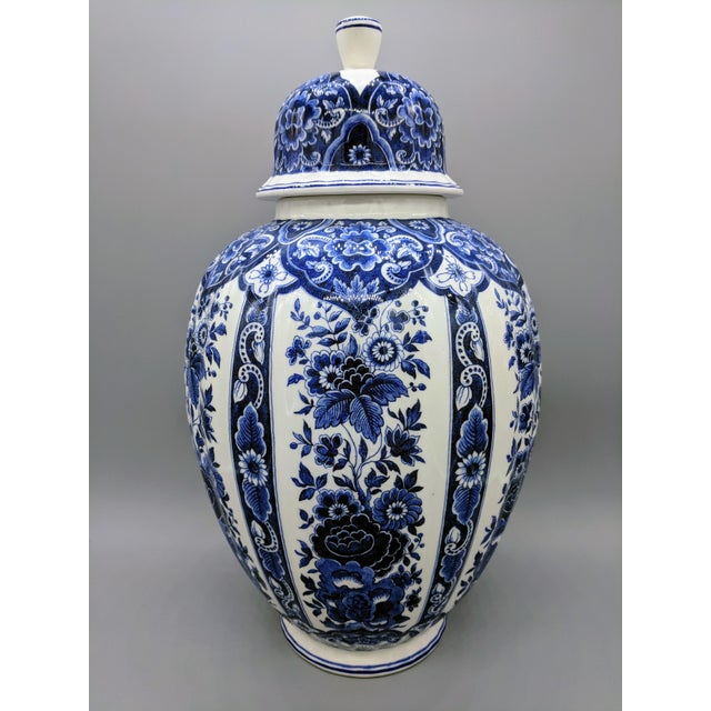Blue Large 20th Century Italian Blue & White Ardalt Delphia Ginger Jar For Sale - Image 8 of 8