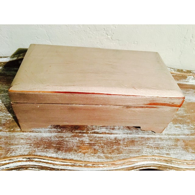 Vintage Shabby Chic Cedar Box - Image 5 of 9