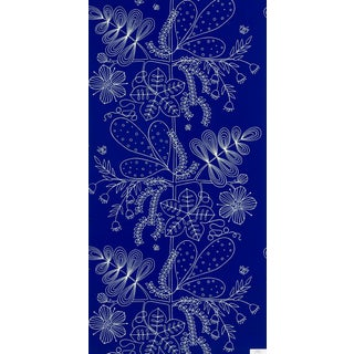 Sample - Schumacher Blommen Wallpaper in Marine For Sale