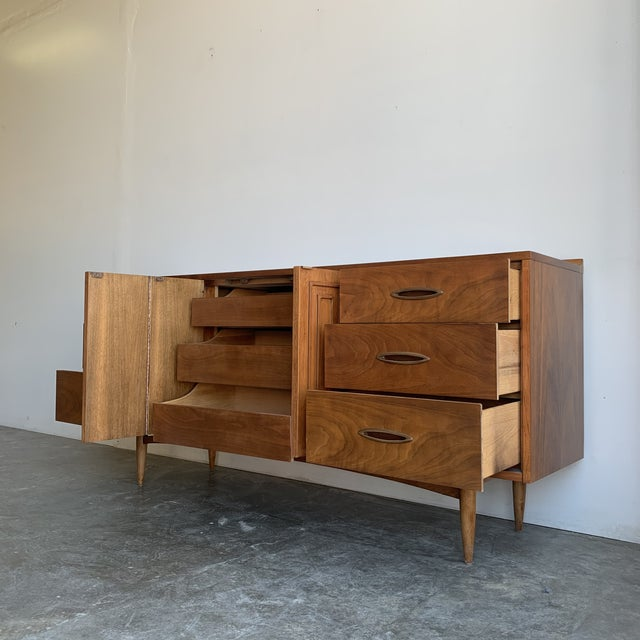 Mid Century Broyhill Sculptra Triple Dresser For Sale In Los Angeles - Image 6 of 13