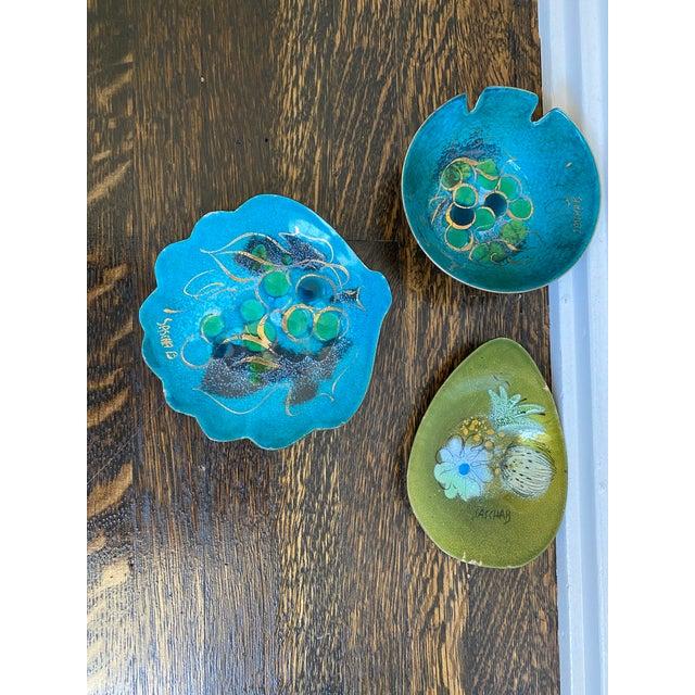 Sascha Brastoff Enamel Bowls - Set of 3 For Sale In Los Angeles - Image 6 of 6