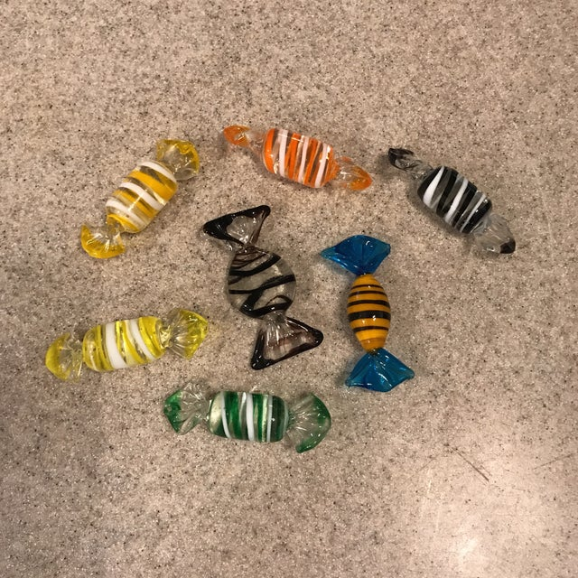Murano Glass Candy Figurines - Set of 7 - Image 9 of 9