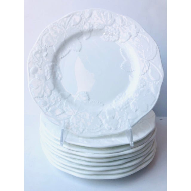 1980s Wedgewood Strawberry and Vine Salad Plates - Set of 9 For Sale - Image 5 of 5