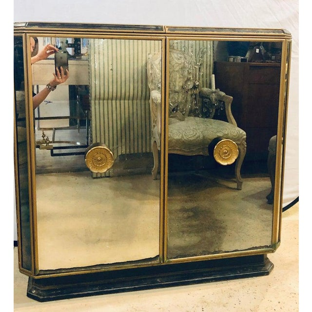 Mid 20th Century Hollywood Regency Midcentury Antiqued Mirrored Two-Door Bar or Serving Cabinet For Sale - Image 5 of 13